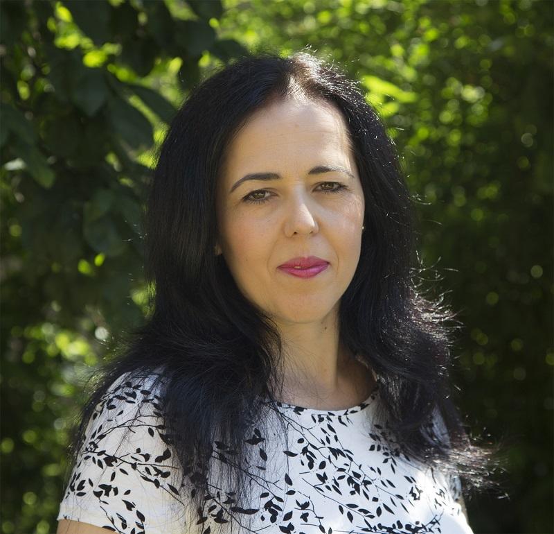 Adina Petronela Gheorghe 800-b42fa126